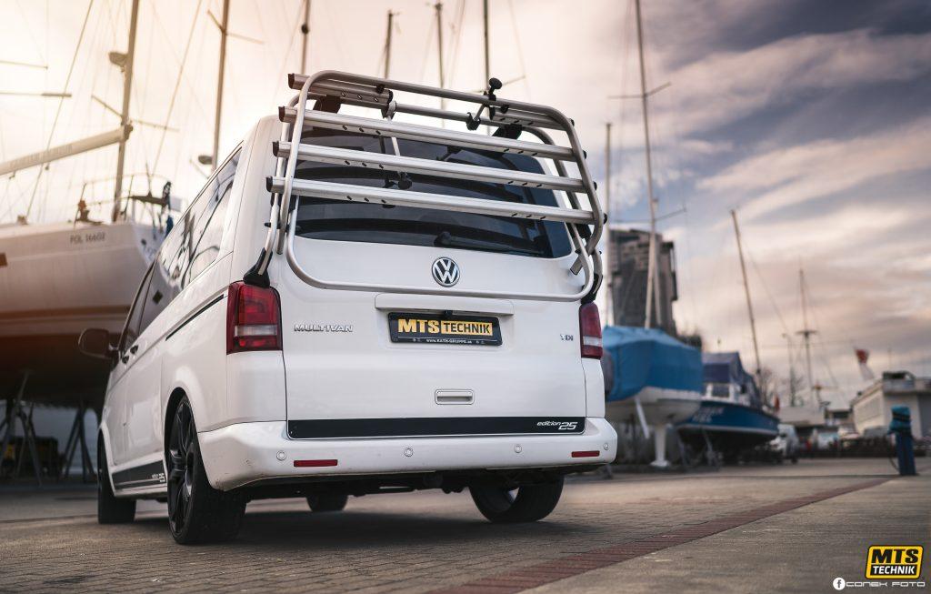 Low VW Multivan